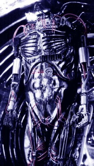 Les 3 robots/cyborgs/androids les plus terrifiants du cinéma/tv/anime Saturn-3-hector